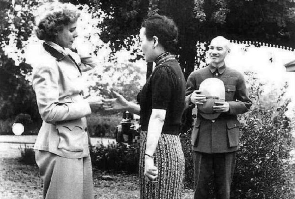 La giornalista Luce incontra Chiang Kai-Shek