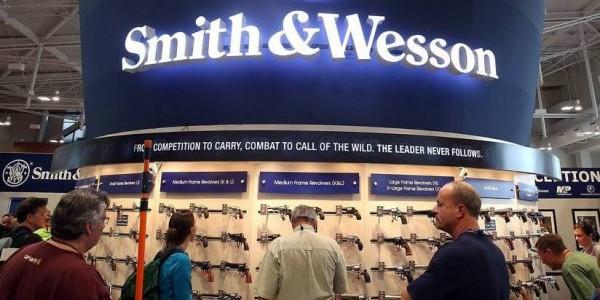 Smith & Wesson cop FB