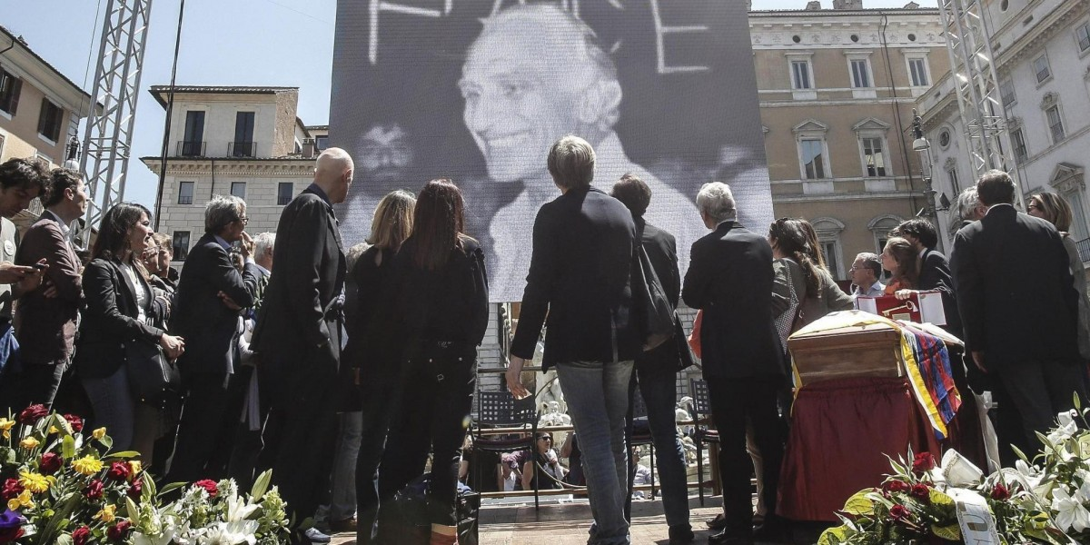 Final farewell to Marco Pannella in Navona Square