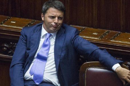 «Politika, diciamo..». Sfida folle per Vincenzo Vasile: parlare di politica senza fare marchette
