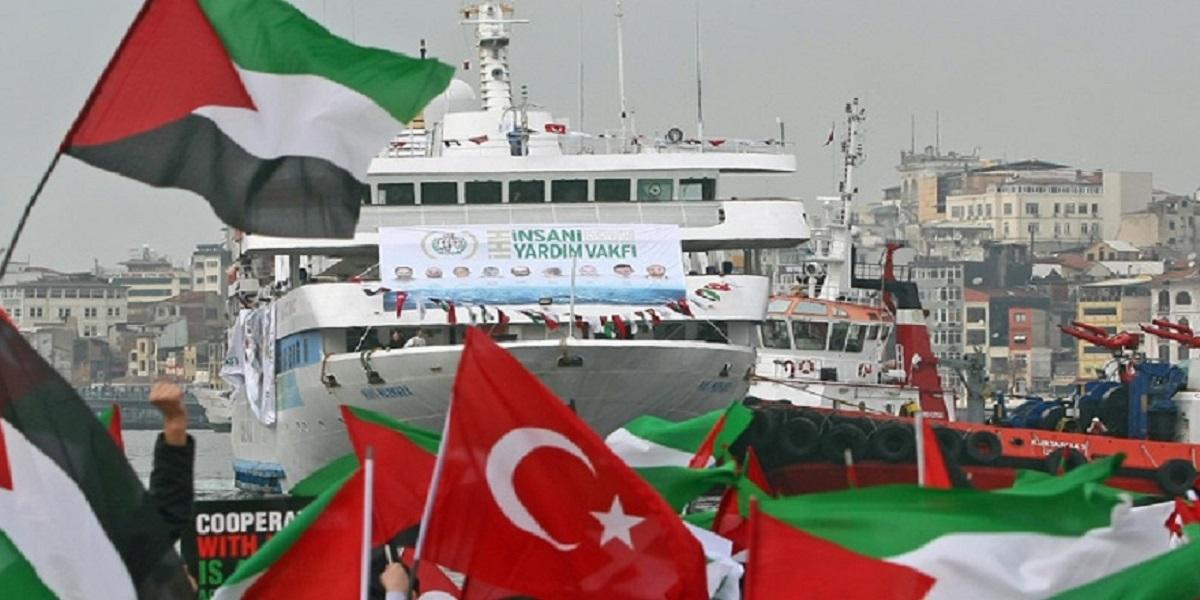 Mavi Marmara ship returns to Istanbul.