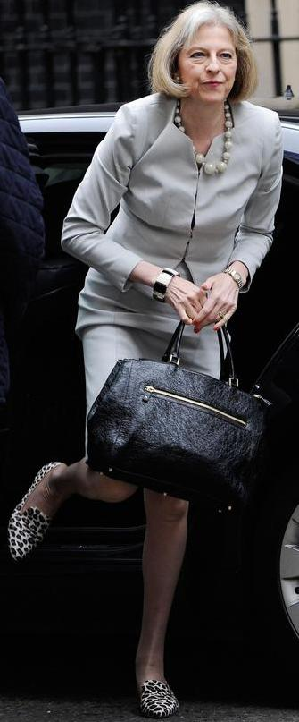 Theresa May,la signora in grigio su orme Thatcher