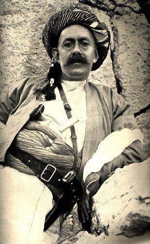 Lo sceicco Mahamud Barzanj, nominato in un primo tempo dagli inglesi governatore del Curdistan meridionale
