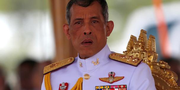 Il principe Maha Vajiralongkorn erede al trono