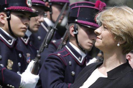 Forze armate, la ministra promette il 'Pentagono italiano'