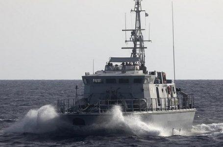 Guardia costiera libica spara alla Ong e flirta con la Nave Nera