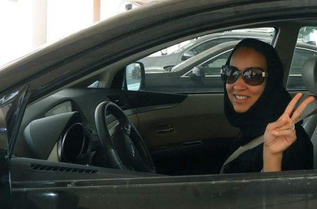 Arabia Saudita fuori dal medioevo su un'auto guidata da una donna