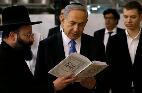 La strana famiglia Netanyahu, col figlio quasi nazi
