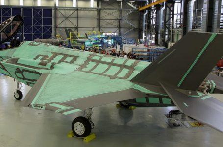 L'invisibile F-35 fatto dai precari -VIDEO-