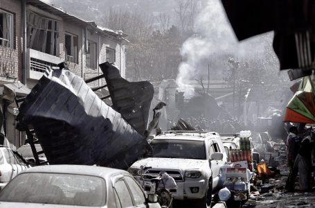 Nell'Afghanistan Stato morente, lotta per l'eredità tra terrorismi
