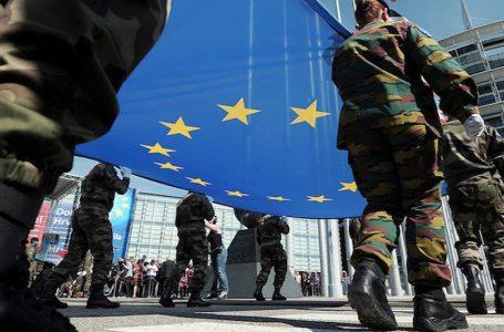 Difesa europea, pioggia di miliardi, Nato ma non troppo