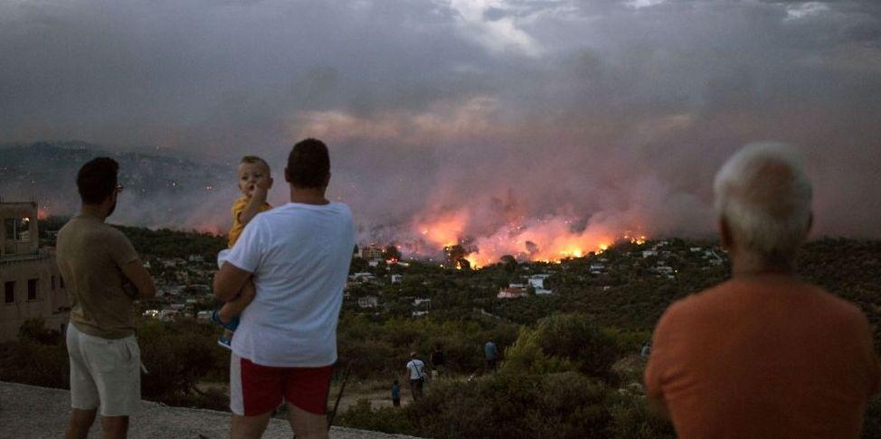 Inferno Grecia, Atene tra le fiamme