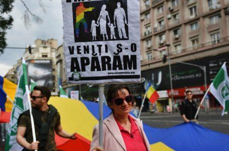 Romania tra tanti problemi gravi, voto contro le nozze gay