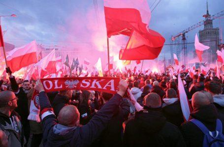 Polonia al voto, schiaffo delle città al populismo di Kaczynski