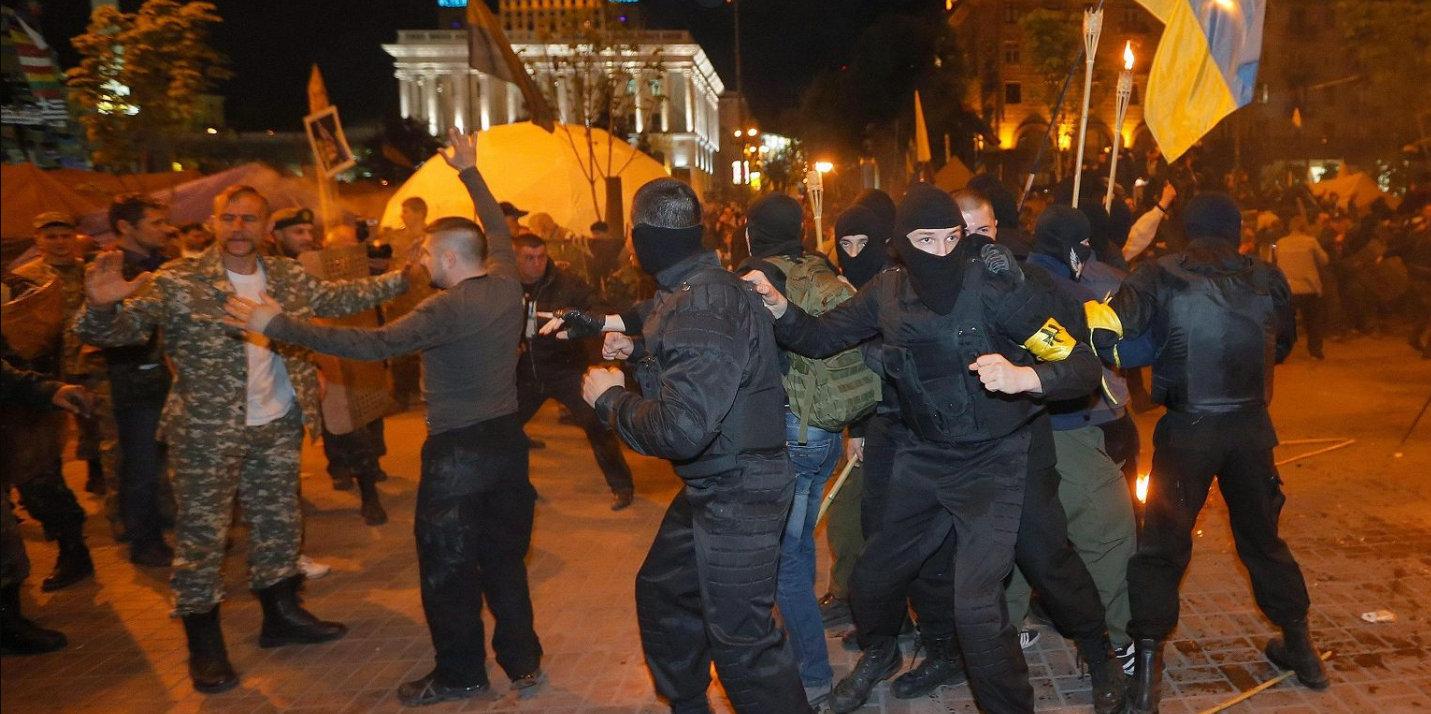 Kiev, pogrom neonazi contro i rom,