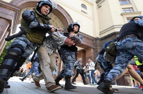 Russia al voto tra proteste e arresti, in gioco Mosca e San Pietroburgo