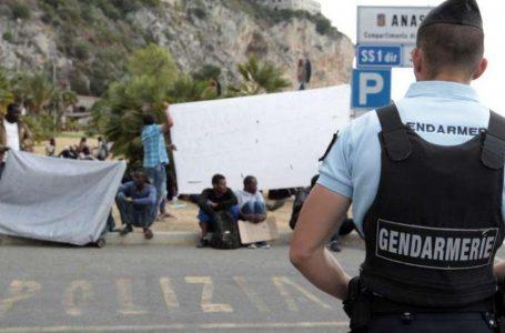 Francia di 'liberté-égalité-fraternité' calpesta i diritti dei minori migranti