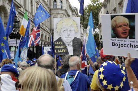 No Exit all'arrabbiata, il Parlamento blocca BoJo che ora vuole elezioni