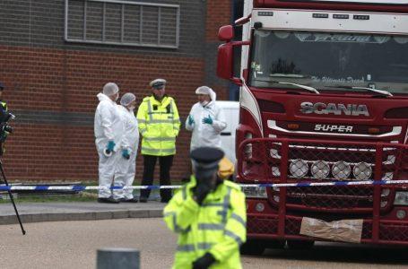 39 vite rubate con l'aria nel camion sigillato divenuto bara