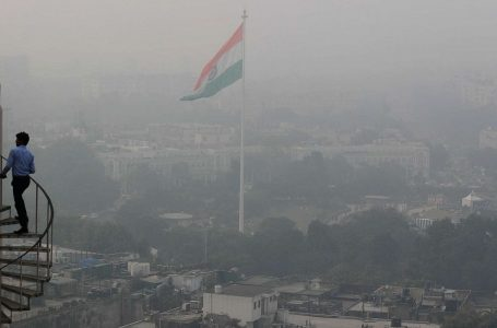 India avvelenata dall'inquinamento, a New Delhi è emergenza