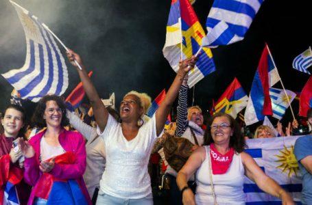 Uruguay svolta a destra mentre in Brasile 'BolsoNazi' spinge oltre