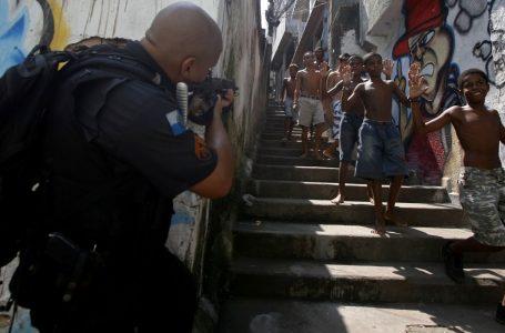 Brasile, impunità a sbirri assassini dono natalizio di Bolsonaro