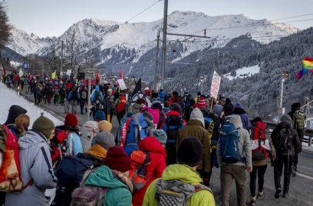 Davos forum dei Paperoni e scopri che anche l'ambiente è privilegio