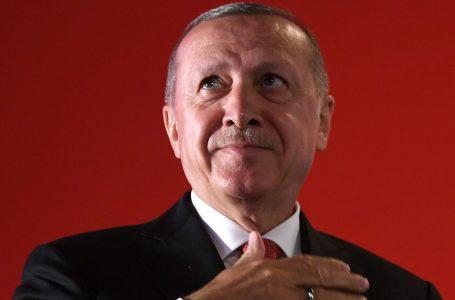 Erdogan protagonismo ostentato, esagerazioni e rischi