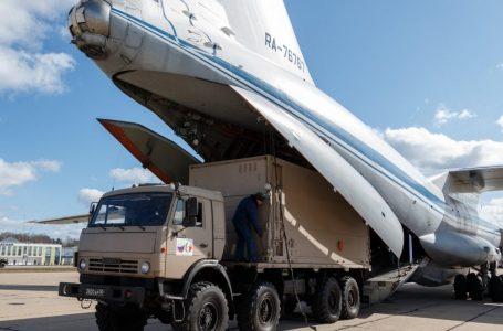 Aiuti sanitari russi già verso la Lombardia dopo una strana rotta di volo