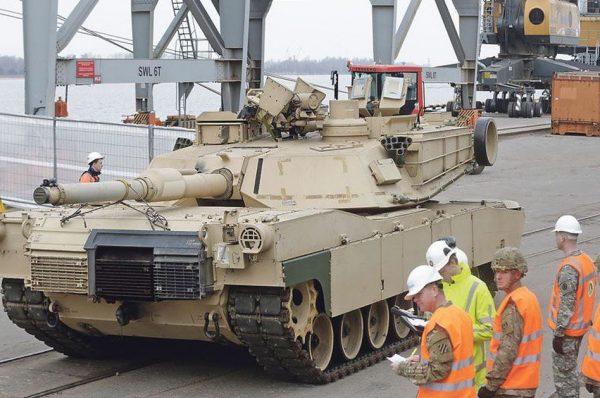Covid19 costringe alla ritirata le armate Nato in Europa e la portaerei Usa Roosevelt