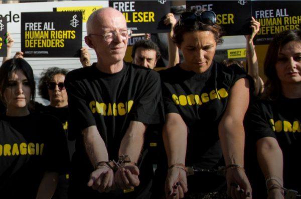 In Turchia Amnesty 'colpevole di terrorismo'. Erdogan e il discredito di un grande Paese