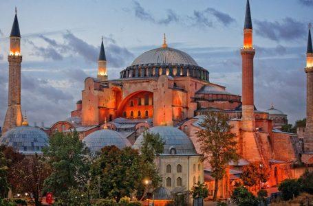 Istanbul: Santa Sofia tornerà moschea? Erdogan cancella la Turchia laica di Ataturk