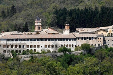La Certosa di Trisulti all'ombra di Steve Bannon, avamposto anti Papa Francesco