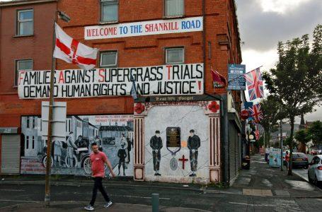 Brexit e Irlanda del Nord: le milizie unioniste, le dogane con l'Ue e la pace minacciata