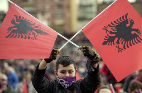 Albania al voto tra problemi e tensioni, possibile tris del socialista Rama
