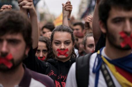 Democrazia in crisi: aumentano le derive autoritarie in Europa