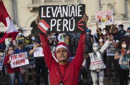 Perù cerca Capo di Stato degno: 18 candidati, 5 presidenti in 5 anni, 3 accusati di corruzione