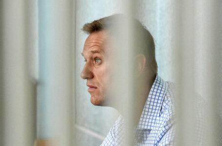 Navalny ricoverato in ospedale. Notizie incerte, sospetti di contrapposte strumentalità