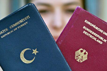 Passaporto grigio temporaneo con la corruzione per scappare dalla Turchia