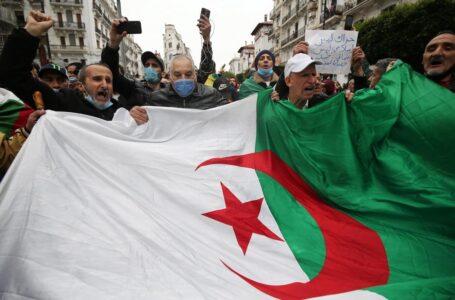 Algeria, ennesime elezioni ma poi comandano altri