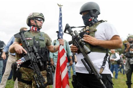 Fucili d'assalto come un coltellino svizzero, il giudice Usa e la stupidità armata