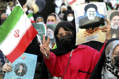 Iraniani alle urne delusi dai loro leader e dal mondo