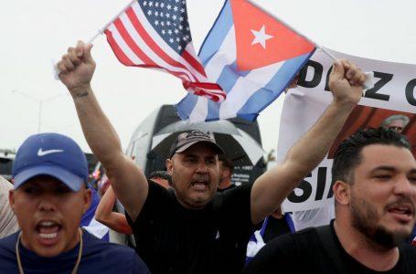 Chi chiede a Biden di togliere l'embargo a Cuba e chi da Miami ancora trama