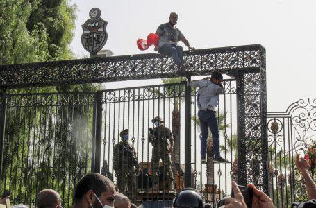 Tunisia, una crisi dagli effetti imprevedibili alle porte di casa nostra