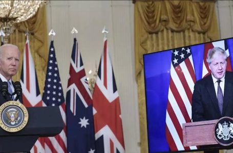 L'America sul Pacifico arma l'Australia e l'Atlantico che la separa dall'Europa si fa più largo