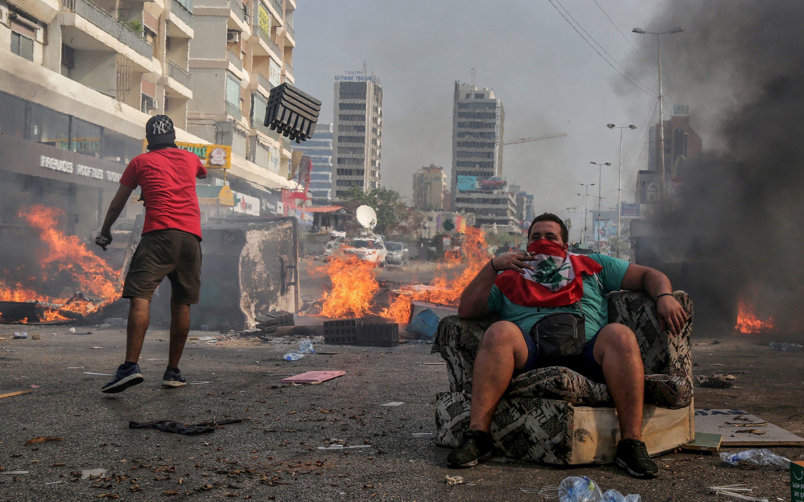 Il Libano disperato sceglie un premier ricco per provare a salvarsi da un nuovo Medio Evo