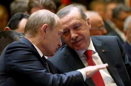 Erdogan vola da Putin per tenersi un po' di Siria