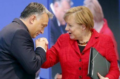 Est contro Ovest in Europa, ultima mediazione Merkel. Germania al semaforo