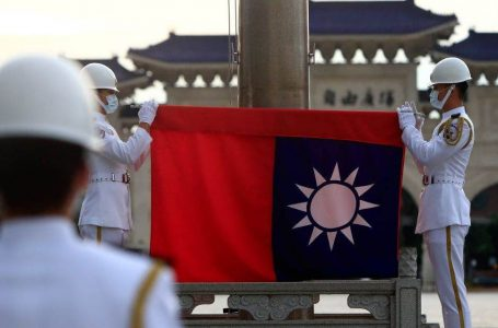 Sfida Taiwan, aerei da combattimenti cinesi attorno, e il ministro monta l'allarme