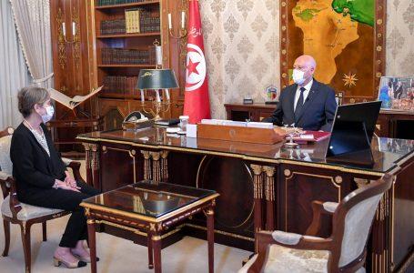 Tunisia in gravissima crisi chiama una donna a governare, prima volta in un Paese arabo